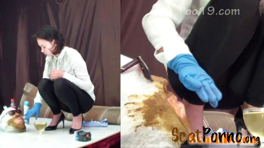 Smelly Milana - 3 girls used the toilet slave
