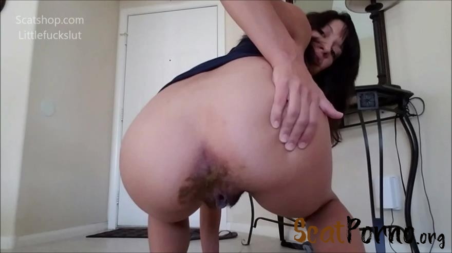 littlefuckslut - Poop Accident in My Yoga Pants