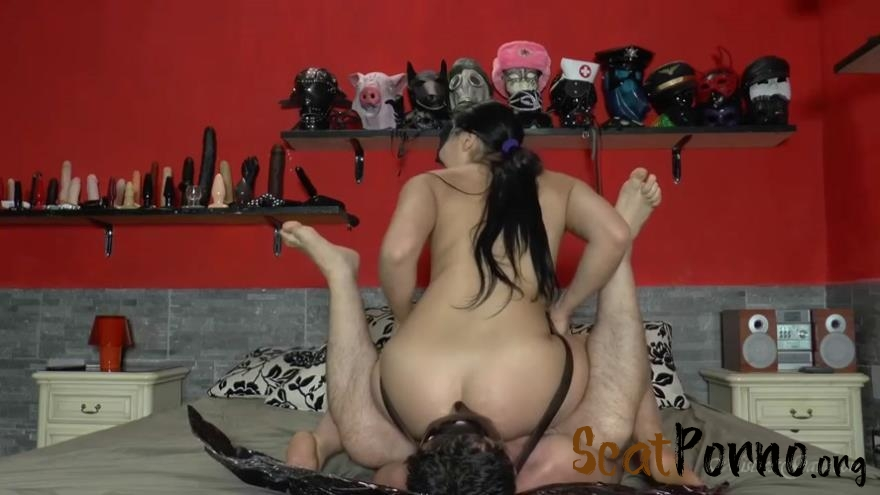 Mistress Gaia - Ass smothered in scat