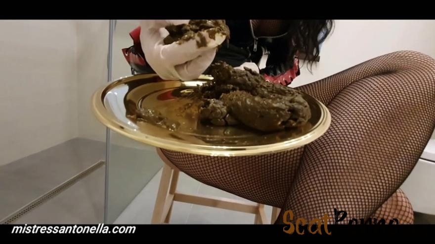 MistressAntonellaSilicone - Sexy teasing with caviar and champagne